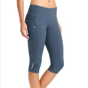Athleta Dobby Be Free Knicker Cropped Fitted Capri